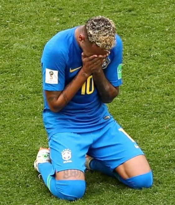 Brasile, Neymar segna e a fine partita scoppia in lacrime