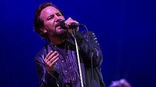Pearl Jam, trionfo a Milano. Vedder ritrova la voce e per due ore è grande rock