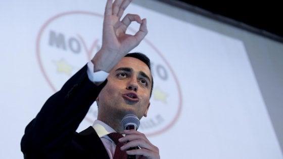 """Pensioni, Di Maio: """"Aumentiamo le minime con il taglio di quelle d'oro"""". Pd: """"Mente a italiani, non c'è un miliardo"""""""