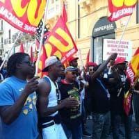 """Mille a Reggio in corteo per Soumayla Sacko. I sindacati: """"Hanno tentato di boicottarci"""""""