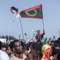 Etiopia, granata sulla folla, 83 feriti a un comizio del premier Abiy Ahmed