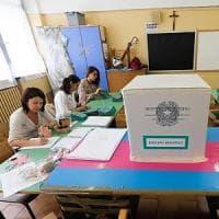 Ballottaggi, tre milioni di italiani al voto: il Pd prova a resistere in