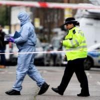 Londra: quindicenne ucciso a coltellate, arrestati 3 adolescenti