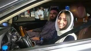 Arabia Saudita, il primo giorno delle donne al volante video