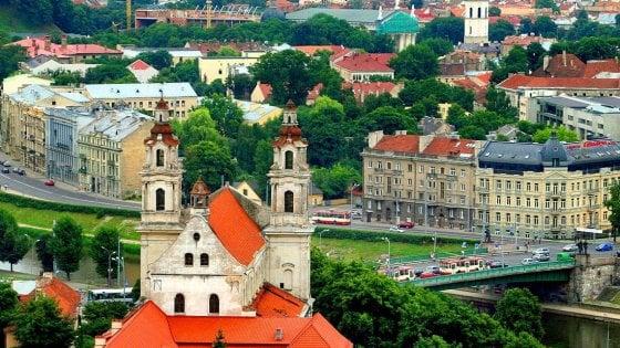 Parchi da altro mondo e città gioiello: le sorprese della Lituania