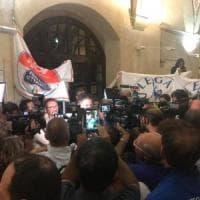 Ballottaggi, cadono le roccaforti rosse: Massa, Pisa e Siena al centrodestra, Imola ai 5...