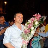"""Ballottaggi, lo """"showman"""" Cateno De Luca è sindaco di Messina: """"Non dormo mai e lavoro..."""