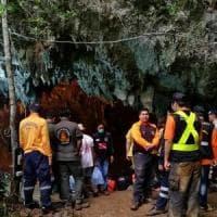 Thailandia, intera squadra di calcio giovanile intrappolata in una grotta