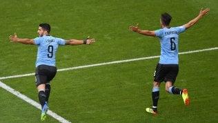 """Via all'ultima giornata:Uruguay è primoRussia battuta 3-0.Arabia-Egitto 2-1 El Hadary, il """"nonno"""" del mondiale para un rigore"""