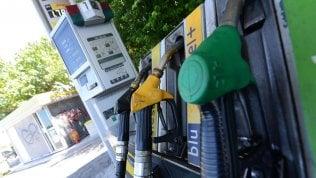 Benzinai, revocato lo sciopero di 24 ore: slitta l'entrata in vigore della fatturazione elettronica