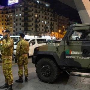 Calano i reati, ma cresce la paura: 4 italiani su 10 favorevoli alla pistola in casa