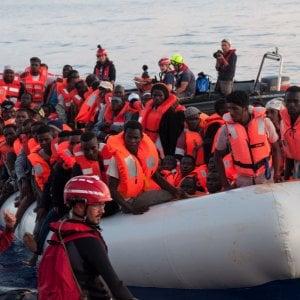 """""""Governo anticostituzionale sui migranti"""". L'appello degli intellettuali contro Salvini e Di Maio"""