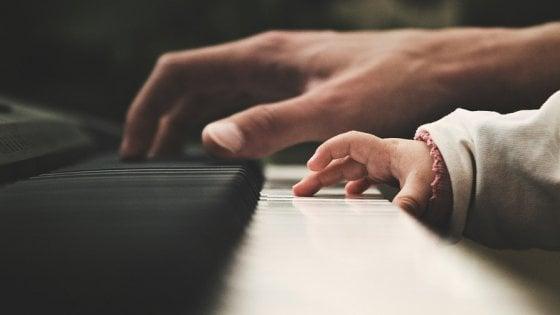 Bambini, studiare la musica aiuta a parlare