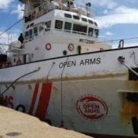 Migranti, Malta chiude i porti alle navi Ong e blocca Seawatch e Lifeline: