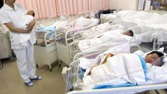 Primo trapianto di utero tra gemelle, il bimbo è nato e sta bene