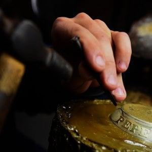 Oro in caduta, le banche centrali di Russia e Cina fanno scorta di lingotti