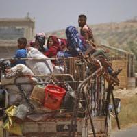 Dramma in Siria, 700mila profughi in fuga dalle bombe nel Sud assediato dai lealisti