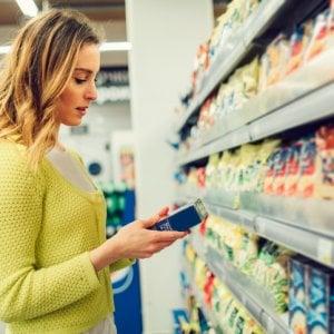 Etichette alimentari: in Europa troppi trucchi per ingannare il consumatore