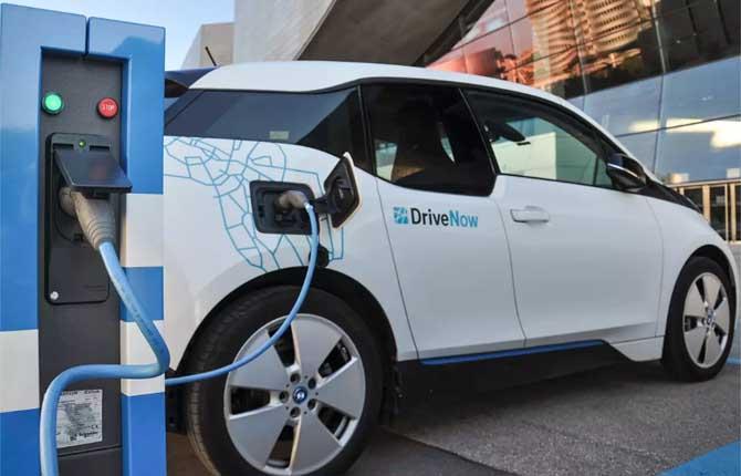 Auto elettriche? Al palo in Italia