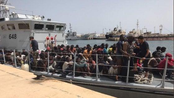 Migranti, catena di naufragi in Libia: 114 dispersi in mare per l'Unhcr, 63 per la Marina di Tripoli