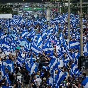 Nicaragua, la repressione fa vittime e migliaia di persone stanno lasciando il Paese