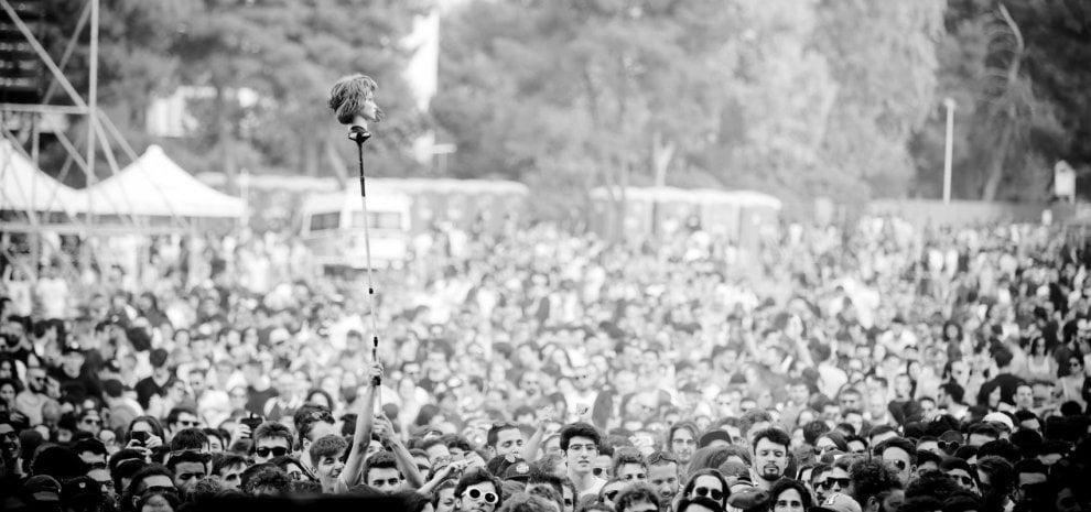 Palco e backstage, ritratti di una stagione rock