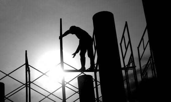 Inps: L'occupazione è salita, ma servono ancora migranti per pagare le pensioni