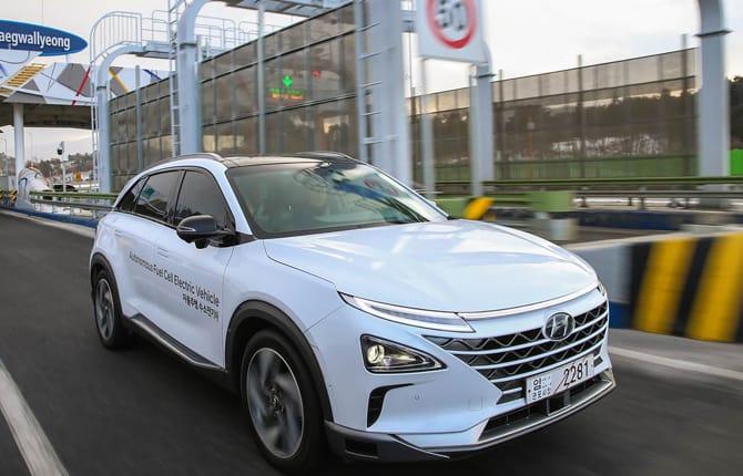 Hyundai, tutto su connessione e sicurezza