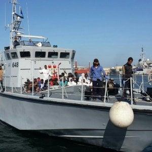Migranti, la Libia chiede all'Italia più aiuti per il governo di Tripoli