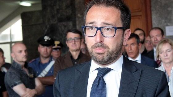 """Fondi Lega, il Colle gela Salvini: """"All'oscuro di ogni contatto su un incontro"""". Bonafede: """"Le sentenze vanno rispettate"""""""