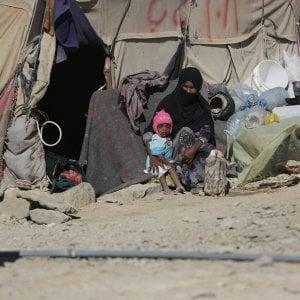 """Yemen, """"Non fate di Hodeidah un cimitero"""", oltre 500 mila persone senza acqua e cibo: l'incubo colera"""