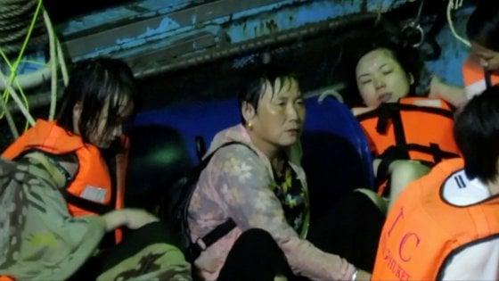 Thailandia: si rovesciano due barche, 40 vittime