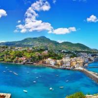 Ischia tra mare e terme: ecco i dieci ristoranti che interpretano l'anima dell'isola