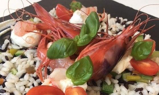 Insalata di riso, non solo svuota frigo: ecco la ricetta-non ricetta nei gusti degli chef