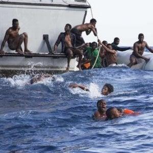 Migrazioni, calo degli arrivi e aumento dei tassi di mortalità nel mar Mediterraneo