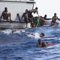 Migrazioni, calo degli arrivi e aumento dei tassi di mortalità nel mar