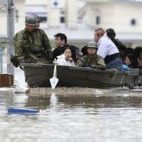 Pioggia e inondazioni in Giappone, aumenta il bilancio delle vittime