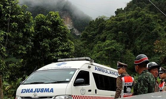 Thailandia, al via il salvataggio nella grotta di Tham Luang. I ragazzi partono scortati da due sub