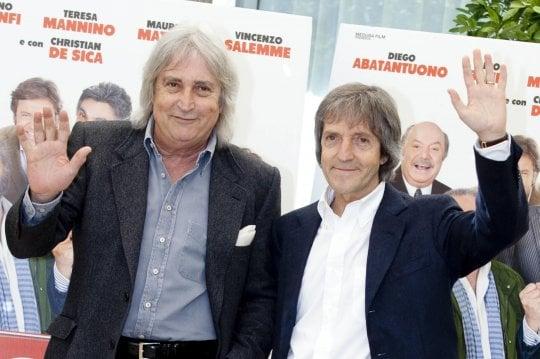 """È morto il regista Carlo Vanzina, col fratello Enrico ha proseguito la commedia """"dei padri"""""""