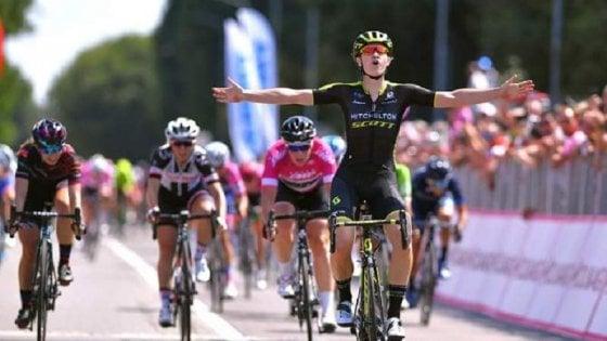 Giro d'Italia donne: volata vincente di D'Hoore. Kirchmann nuova maglia rosa