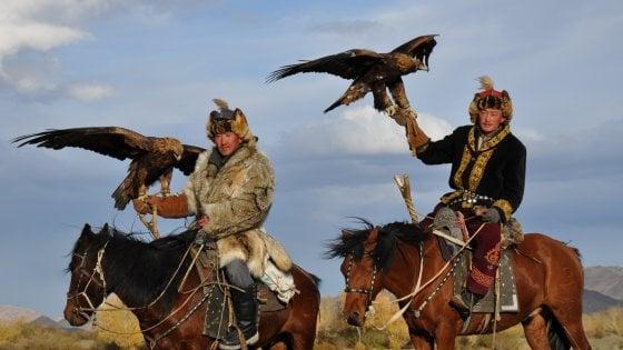 """Mongolia: nella """"Terra del Cielo Blu"""" per la Festa delle Aquile"""