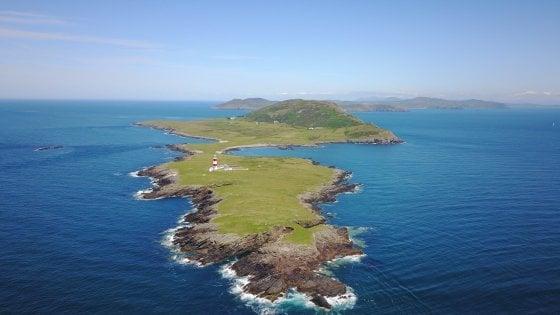 Guardiano di un'isola selvaggia in mezzo al mar del Galles: l'annuncio per il lavoro da sogno (o forse no)