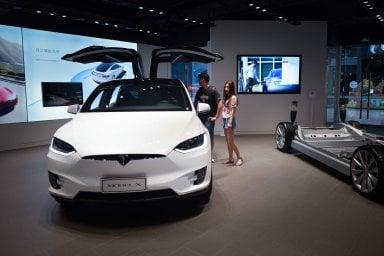 Tesla Summer Tour, in vacanza per scoprire i segreti delle super auto elettriche