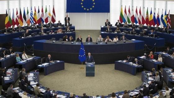 I doppiolavoristi del Parlamento Ue: uno su tre arrotonda. E c'è il rischio conflitto d'interesse