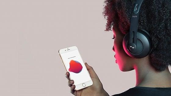 """Nuraphone, le cuffie nate su Kickstarter che si """"adattano"""" alle persone"""