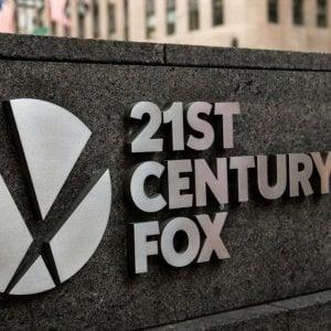 Fox migliora l'offerta per prendere tutta Sky a 24,5 miliardi di sterline