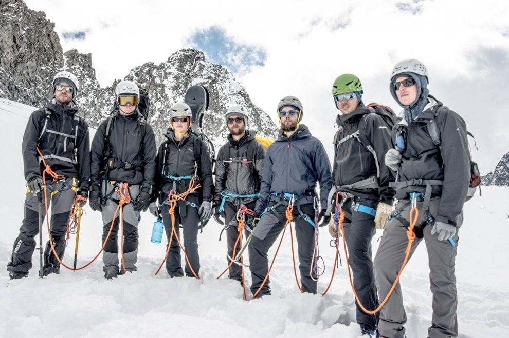 Delago, il musicista-alpinista che suona scalando le montagne