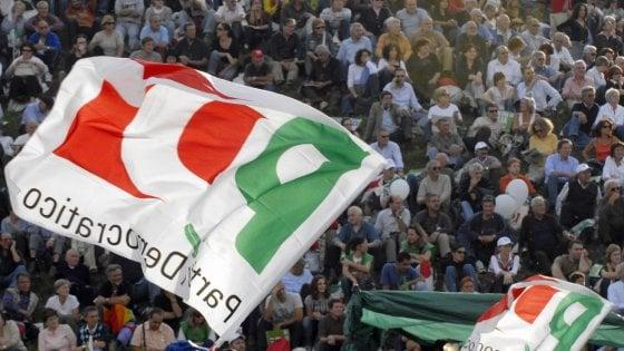 """Pd, Zingaretti: """"Calenda ha ragione, cambiamo tutto"""". E Delrio apre a dialogo con i 5s"""