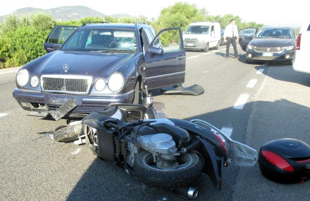Sardegna, le immagini dell'incidente in moto per George Clooney: 20 giorni di cure per l'attore