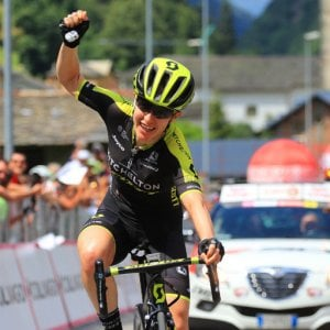 Giro d'Italia donne: Spratt show in salita. Conquista tappa e maglia rosa